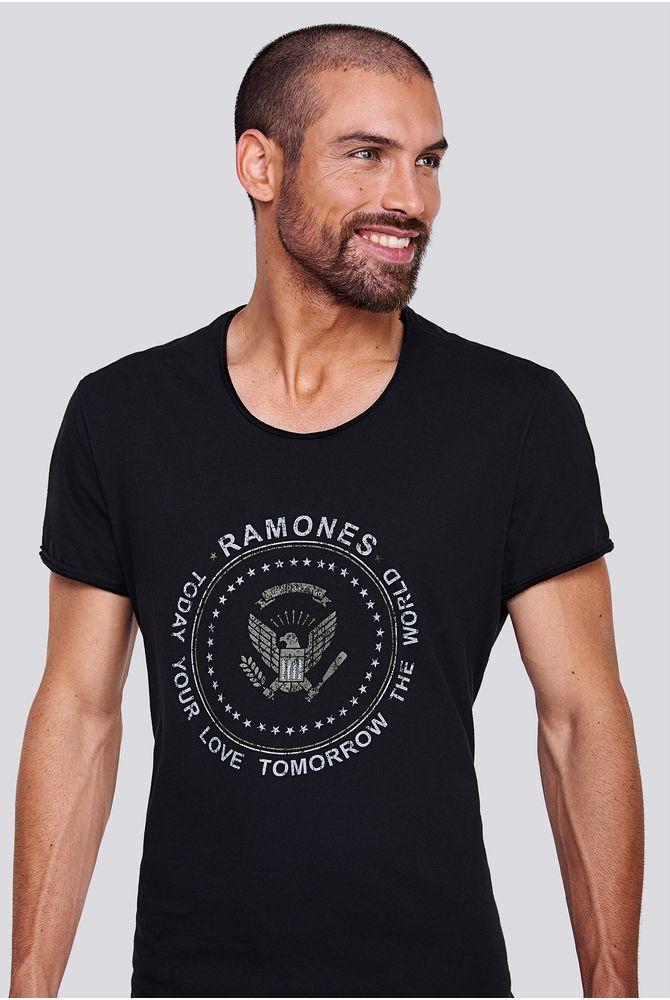 REMERA-STAMP-RAMONES